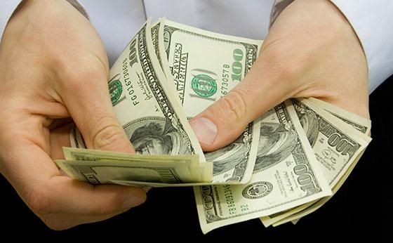 Dólar fecha em alta de 1,05% cotado a R$ 3,75; Bolsa cai 0,34%
